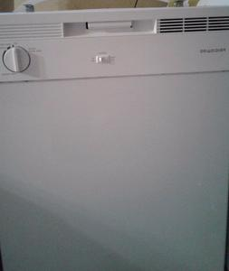 Dishwasher by Frigidaire, white color