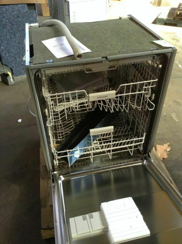 """Brand Series 24"""" In Full Console Dishwasher"""