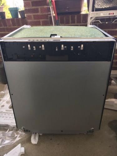 New Bosch 800 Series SGV68U53UC Panel Ready Dishwasher ADA C